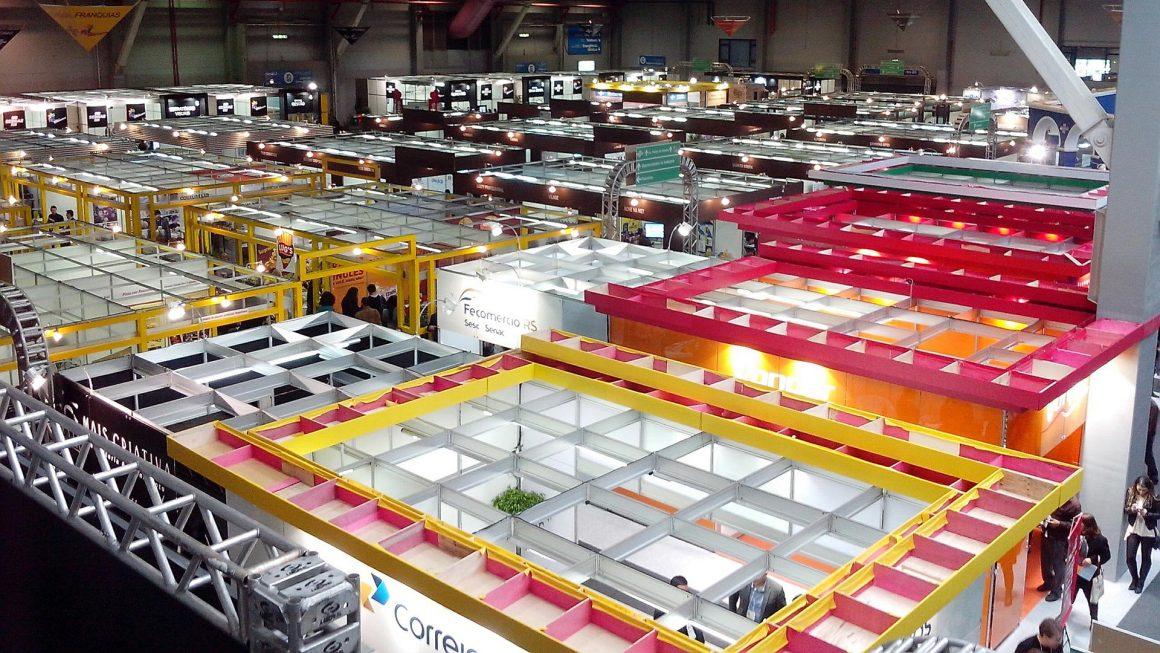 Hybrid exhibitions